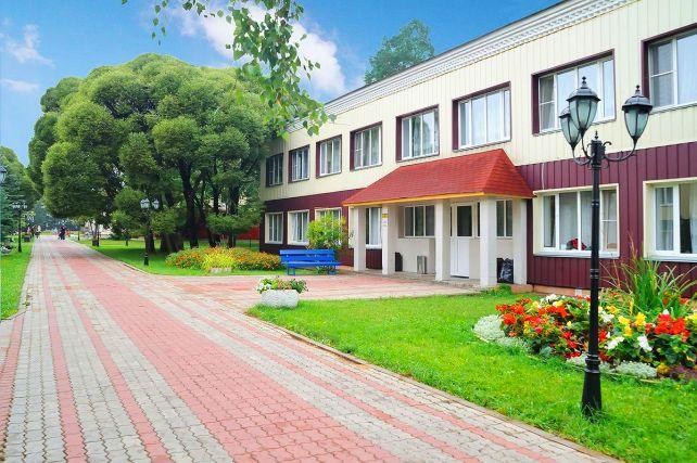"""Отель """"Сосновый бор"""", Сабурово"""