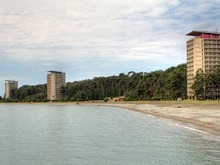 Вид на корпуса курорта Пицунда в Абхазии